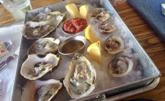 Raw Oysters & Clams at Lilo's Streetfood & Bar
