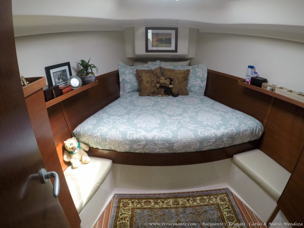 V-Berth is done, including a new Quilt set!